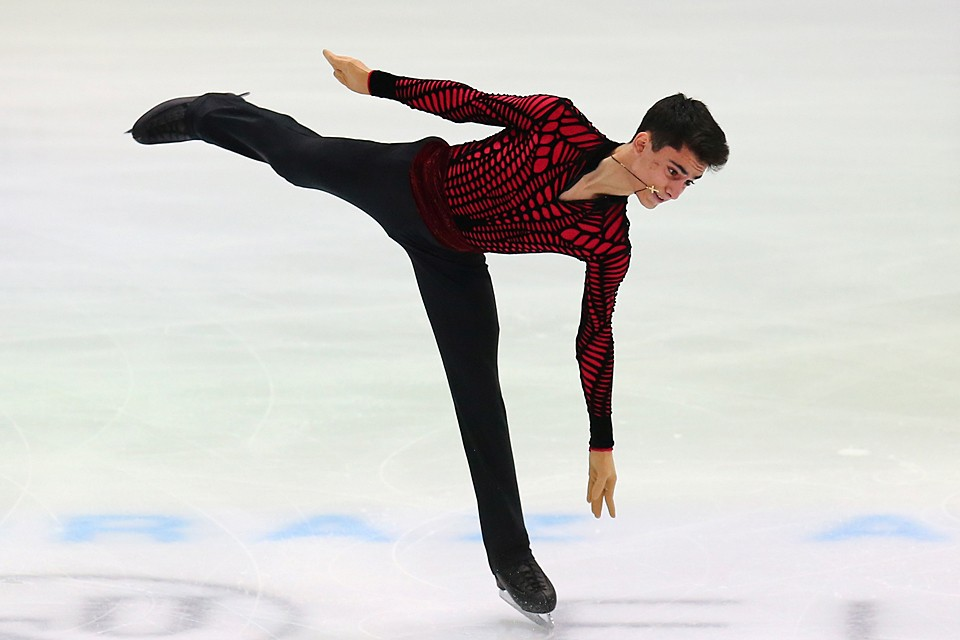 Первым среди наших ребят на лед вышел юный Артур Даниелян. 16-летний дебютант крупных соревнований