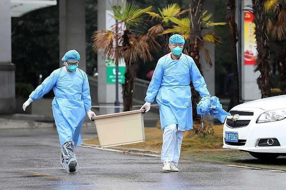 Распространение вируса началось в Ухане в декабре 2019 года