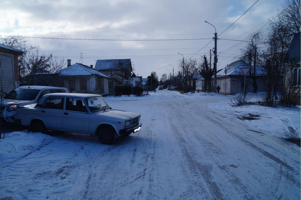В Орле 19-летний водитель сбил пешехода и врезался в «ВАЗ» . Фото: УГИБДД УМВД России по Орловской области