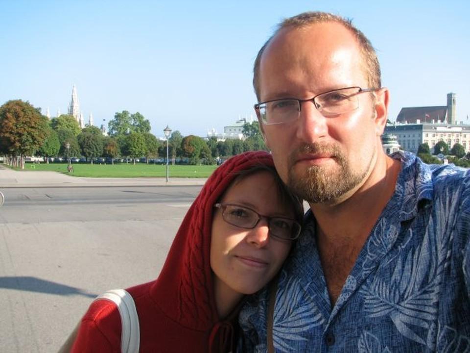 Юлия помнит Вадима еще со школьных времен. Она приходила в университет узнавать про подготовительные курсы, а мужчина вызвался обо всем ей рассказать. ФОТО: Личный архив