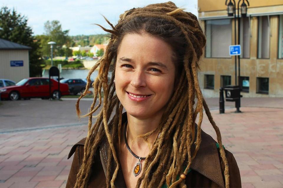 Свой «культурный скандал» ровно год назад переживала Швеция. Новым министром культуры тогда назначили детского психиатра, члена партии «Зеленых» Аманду Линд.