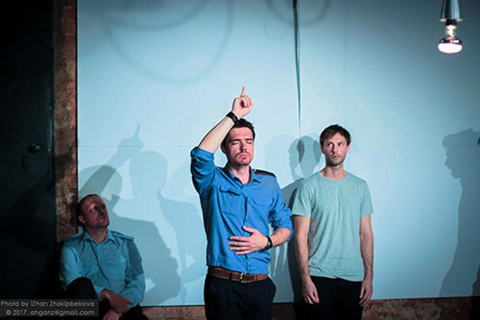 Вы смотрели «Человек из Подольска» в Театр.doc? Нет? А хорошо бы. Фото: www.teatrdoc.ru