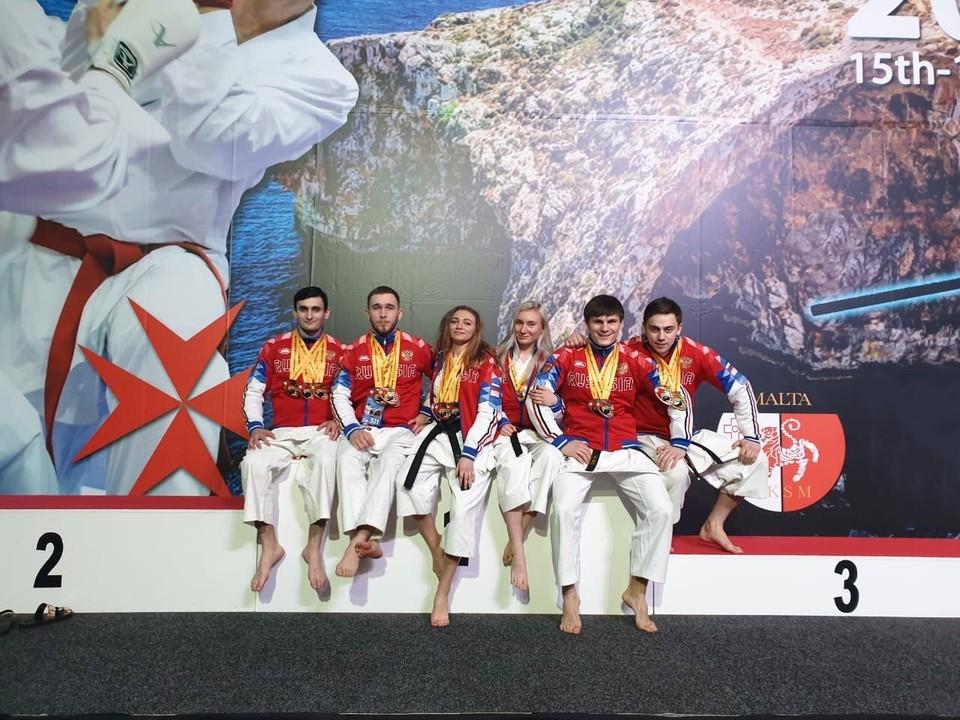 Слева направо: Арман Зироян, Владимир Мишин, Виктория Кожушкова, Дарья Зенина, Артем Кожокин, Денис Заложных.