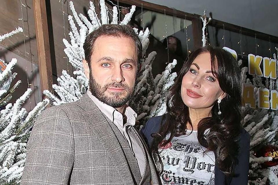 После благополучного исхода «кокаинового дела» актриса вышла в свет с новым супругом