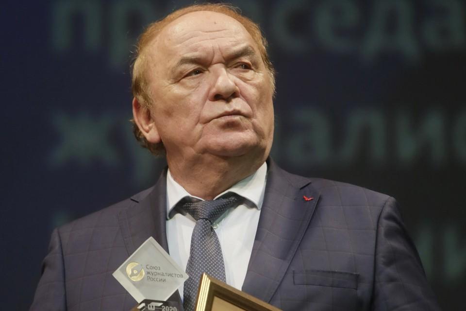 """В номинации «Золотое перо» премии был удостоен журналист """"КП"""" Виктор Баранец."""