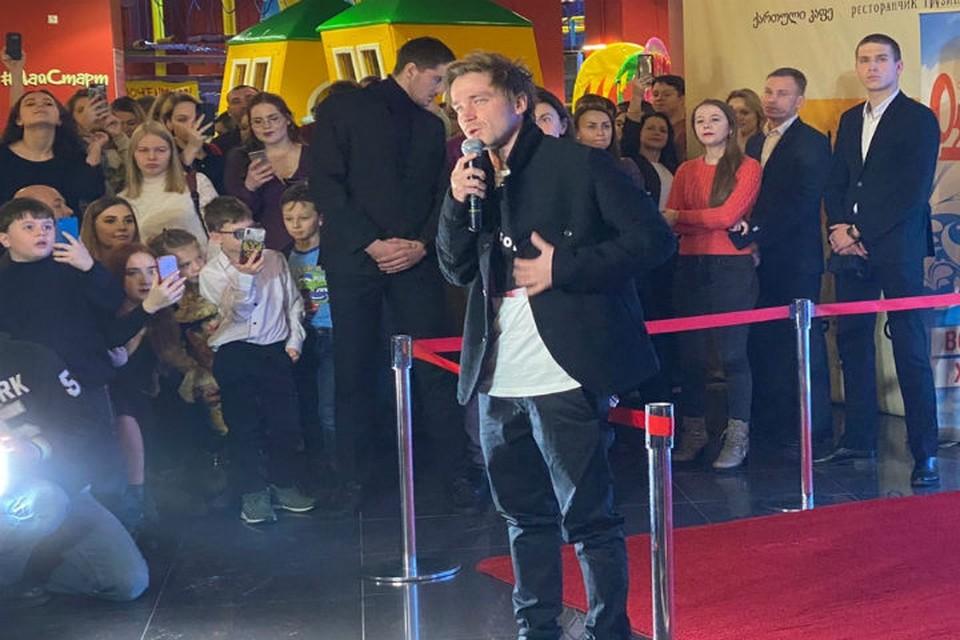 """Актер Александр Петров представил всероссийскую премьеру фильма """"Лед 2"""" в Нижнем Новгороде."""