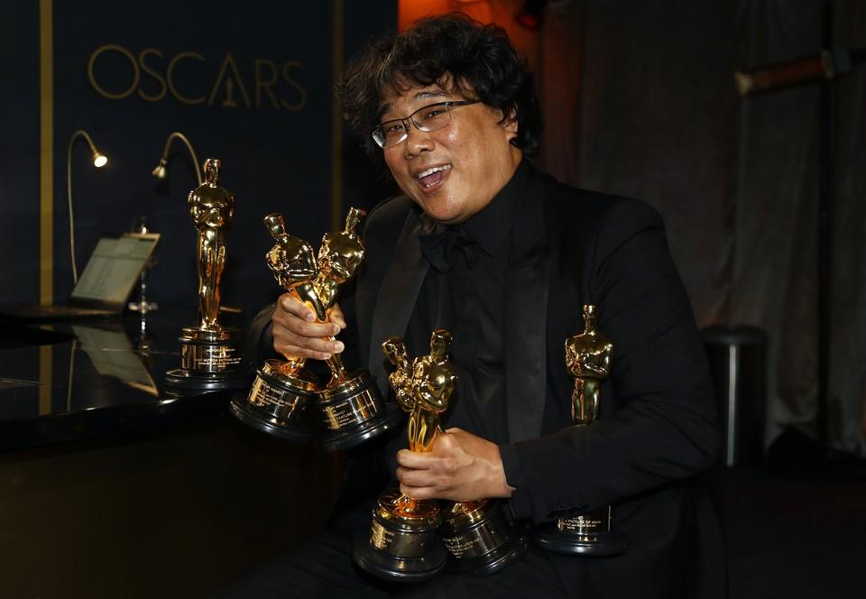 """Главный приз, а также приз за режиссуру, лучший иностранный фильм и оригинальный сценарий забрал фильм """"Паразиты"""" корейского режиссера Пон Джун-хо"""
