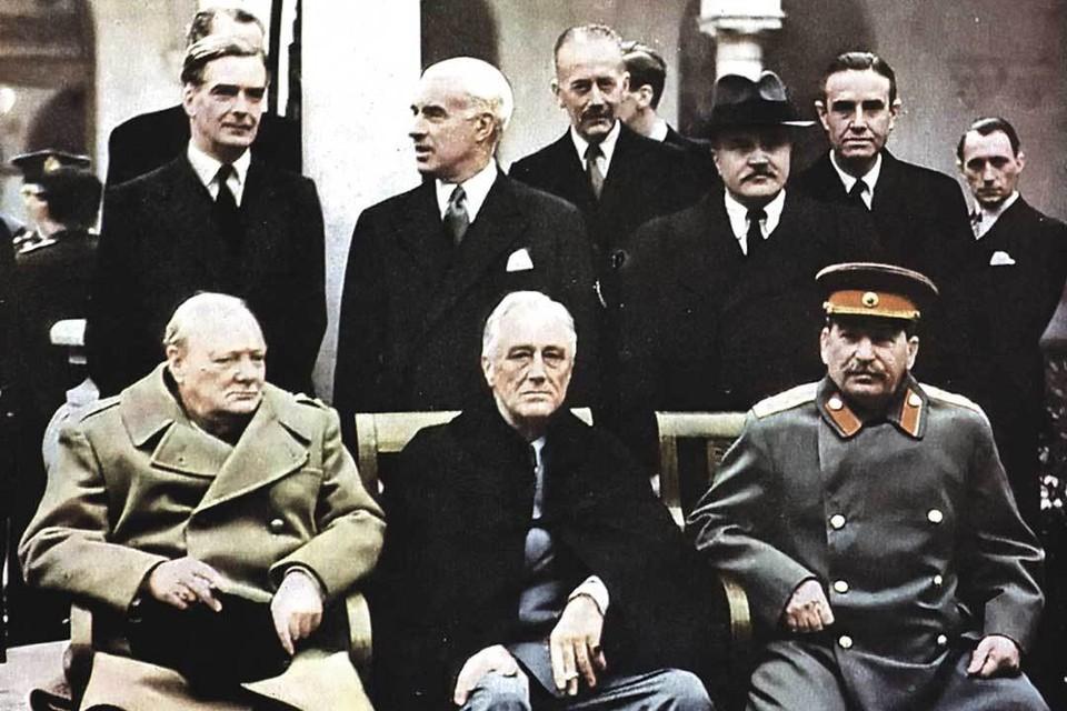 «Большая тройка» в Ялте. Слева направо: Черчилль, Рузвельт, Сталин. Февраль 1945 г.