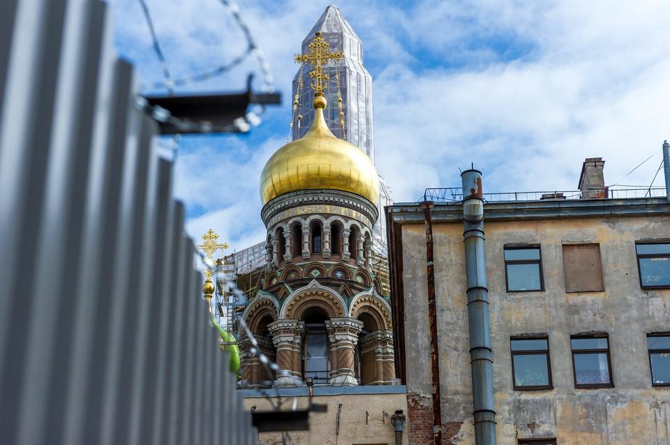 16-летнюю школьницу изнасиловал малознакомый мужчина в Михайловском саду