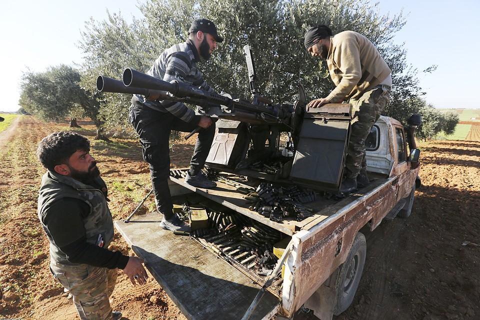 Боевики, сидящие в Идлибе и окрестностях неоднородны - там есть отряды «вооруженной оппозиции» готовой к переговорам с Асадом и исламисты-отморозки