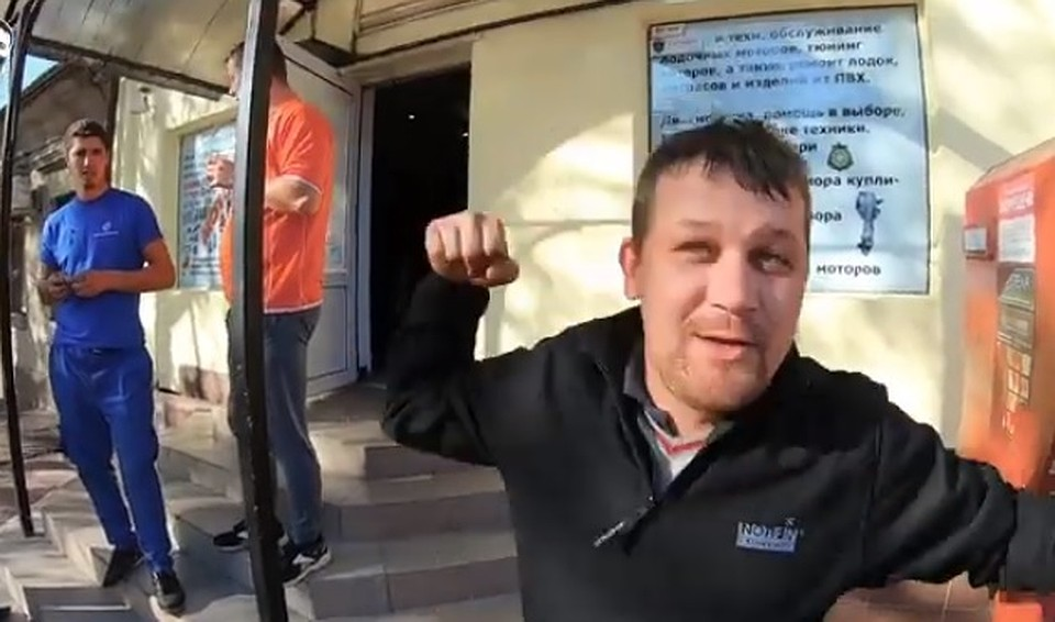 Негостеприимная Одесса: Молдаванина избили в центре города-героя, загрузили в багажник и выкинули на заброшенном заводе