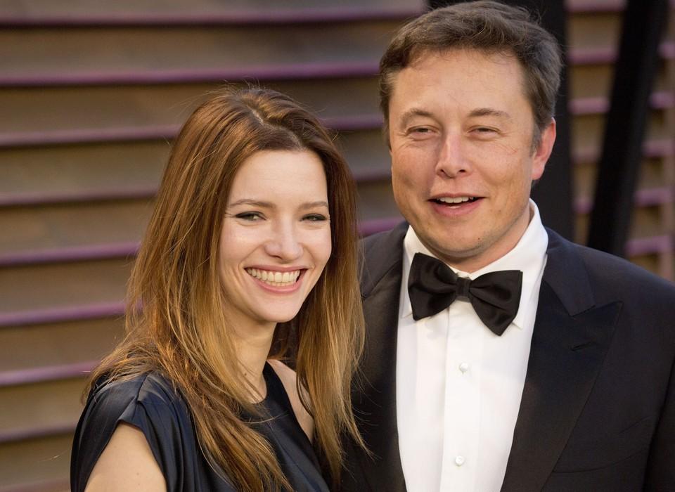 Илон Маск и его супруга актриса Талула Райли.