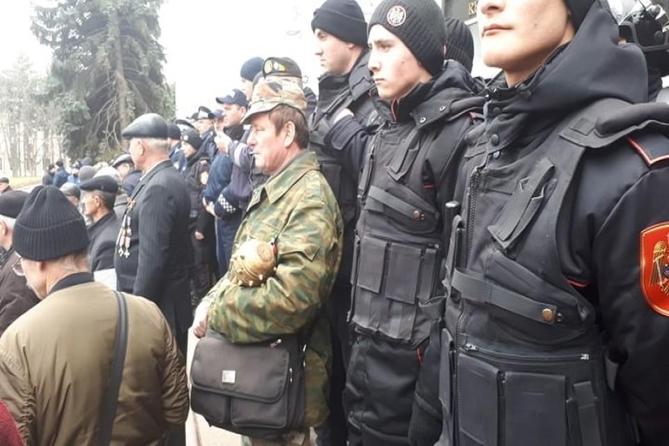 Оружие молдавских комбатантов не булыжник, а булава!