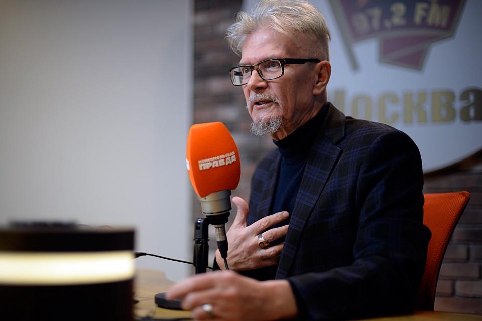 Два года назад автору выпала честь пригласить Лимонова к нам на Радио «Комсомольская правда»
