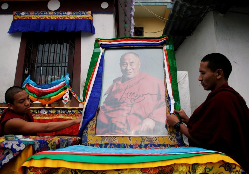 Резиденцию Далай-ламы в Индии закрыли для посещения из-за коронавируса