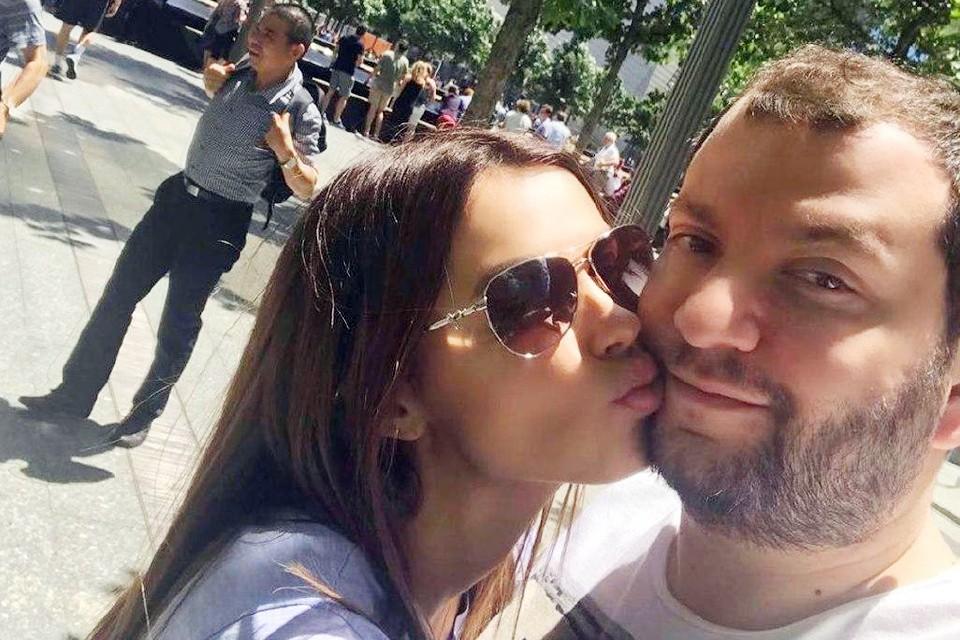 Яна Эстерова поделилась со своими подписчиками тревожной новостью - ее муж отправлен в реанимацию с диагнозом двусторонняя пневмония