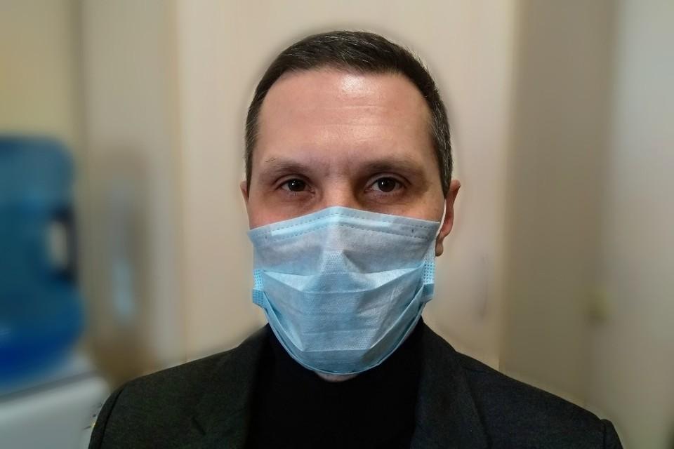 Наш журналист надел маску и всем советует сделать также!
