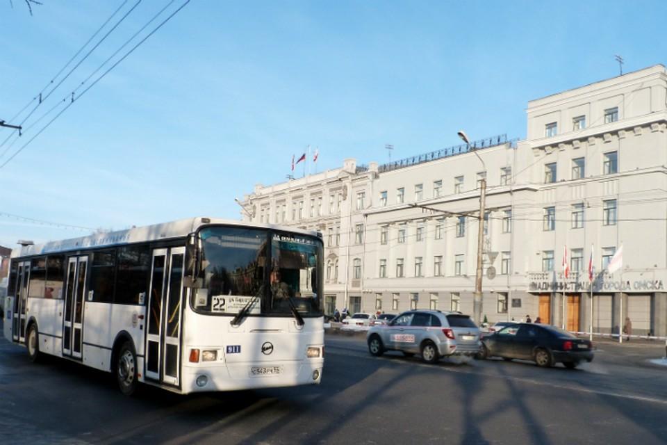 Общественный транспорт будет работать в режиме выходного дня.