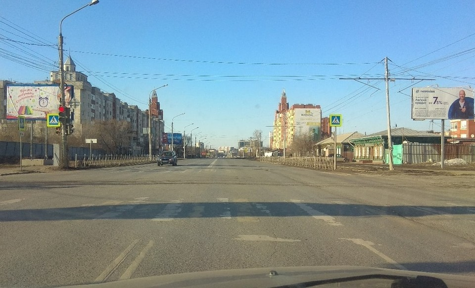 Улицы Омска опустели.