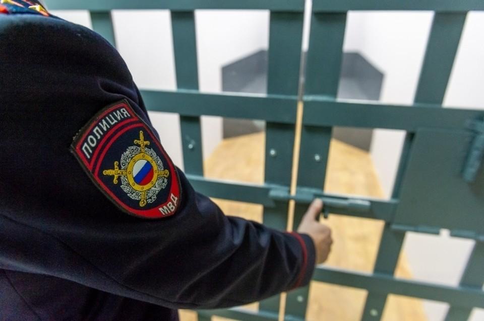 Мастера по ремонту обвиняют в краже инструментов в Хабаровске
