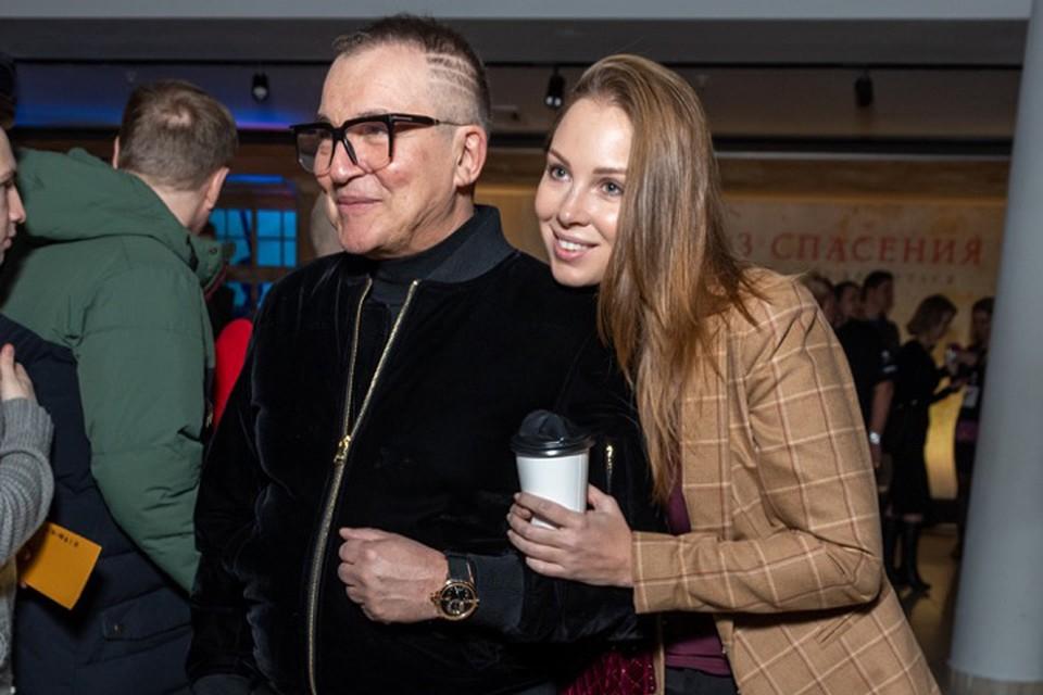 Дмитрий Дибров с женой Полиной. Фото: Первый канал