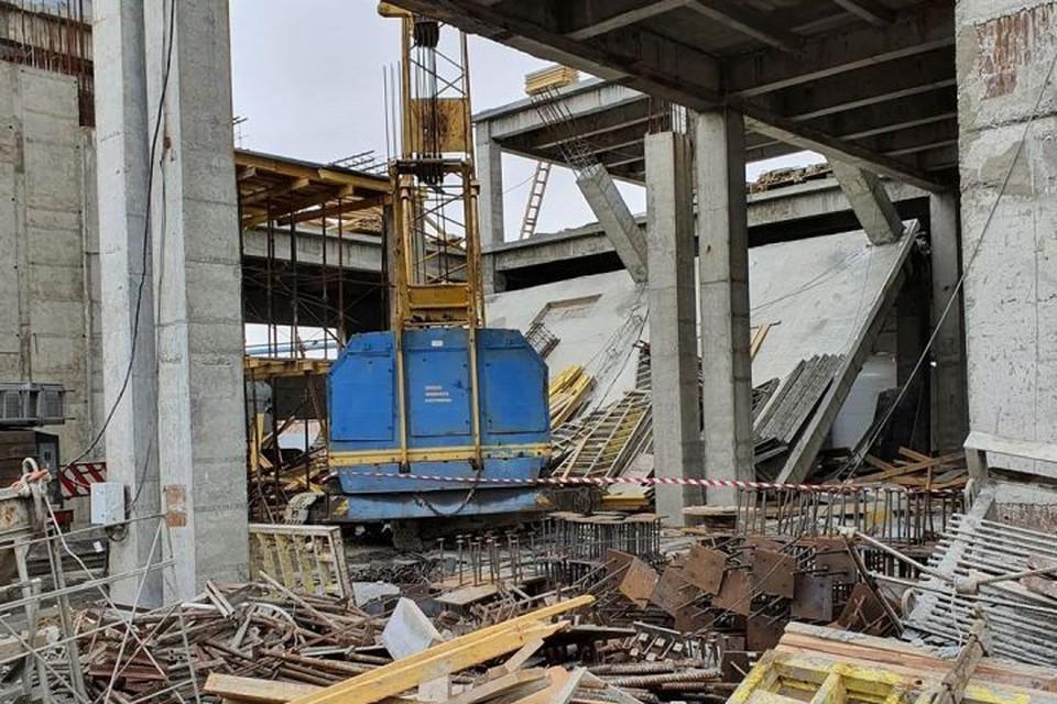 Три человека пострадали при обрушении перекрытия на «Химпроме» в Кемерове. ФОТО: Инстаграм Ильи Середюка