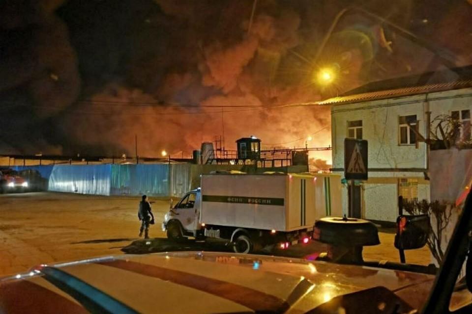 """Бунт в колонии Ангарска: заключенные напали на сотрудника охраны и нанесли повреждения сами себе. Фото: """"Инцидент Иркутск"""""""