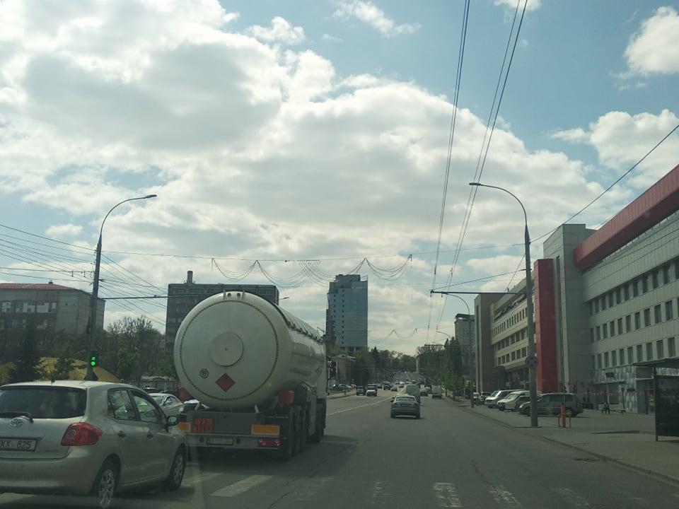 """Вчера в Кишиневе снова был сплошной """"час пик""""."""