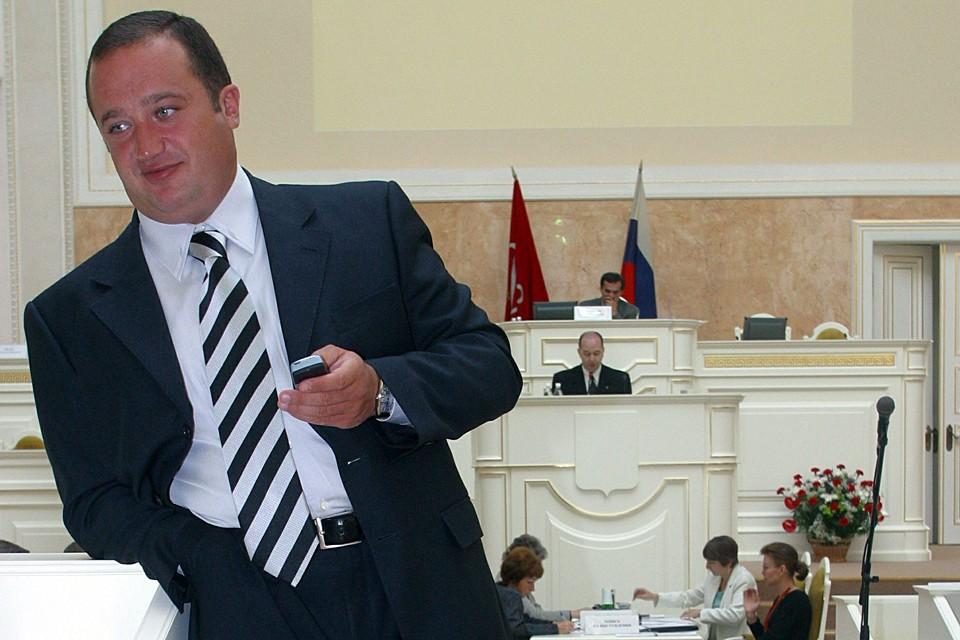 Волчек был задержан и доставлен вчера в Москву из Петербурга