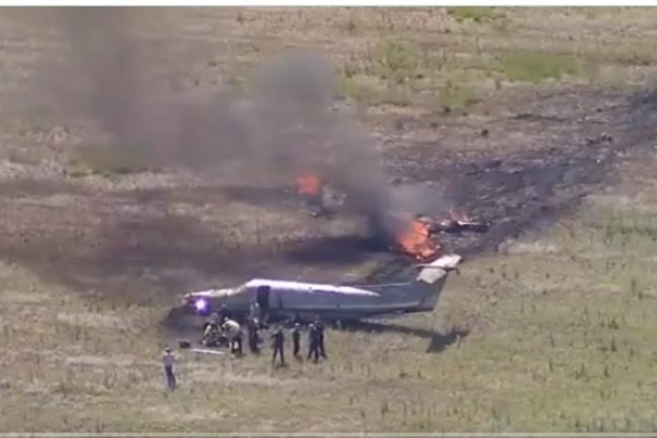 Самолет загорелся после аварийной посадки в поле