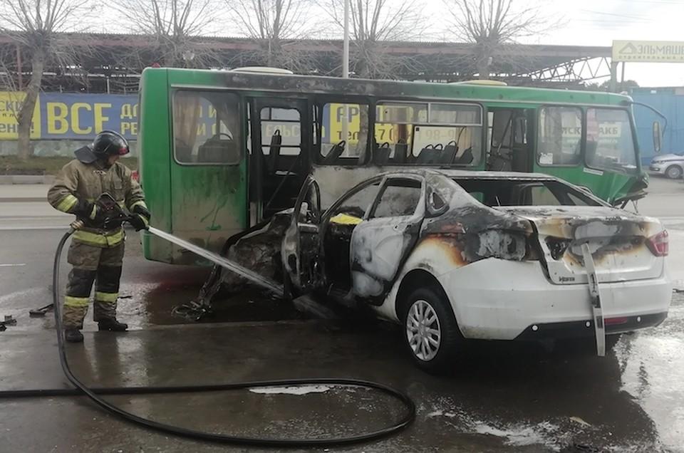 Транспортные средства получили серьезные повреждения. Фото: пресс-служба ГИБДД по Екатеринбургу.