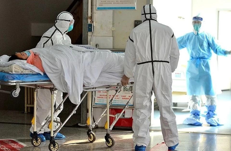 Проценко сообщил, что в больницу в Коммунарке поступает больше молодых пациентов