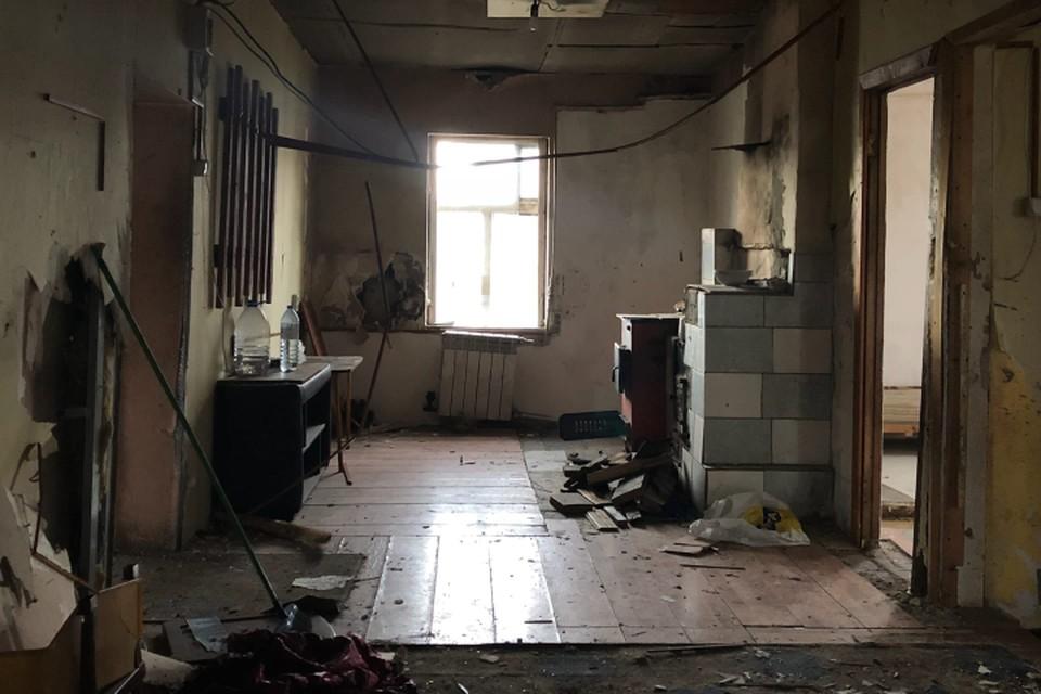 Ничем не примечательная сторожка оказалась штаб-квартирой террористов ИГИЛ (запрещенная в России организация).