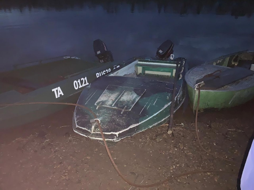 Жительница Чуны упала с моторной лодки и ударилась головой о винт.