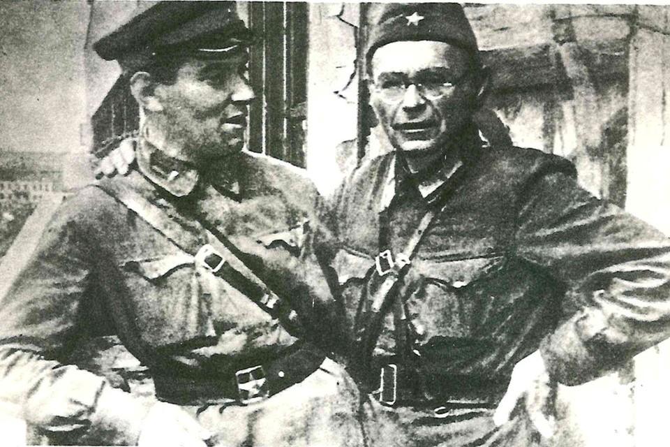 Военные корреспонденты Тарас Карельштейн и Борис Иваницкий (справа). Фото: Архив «КП»