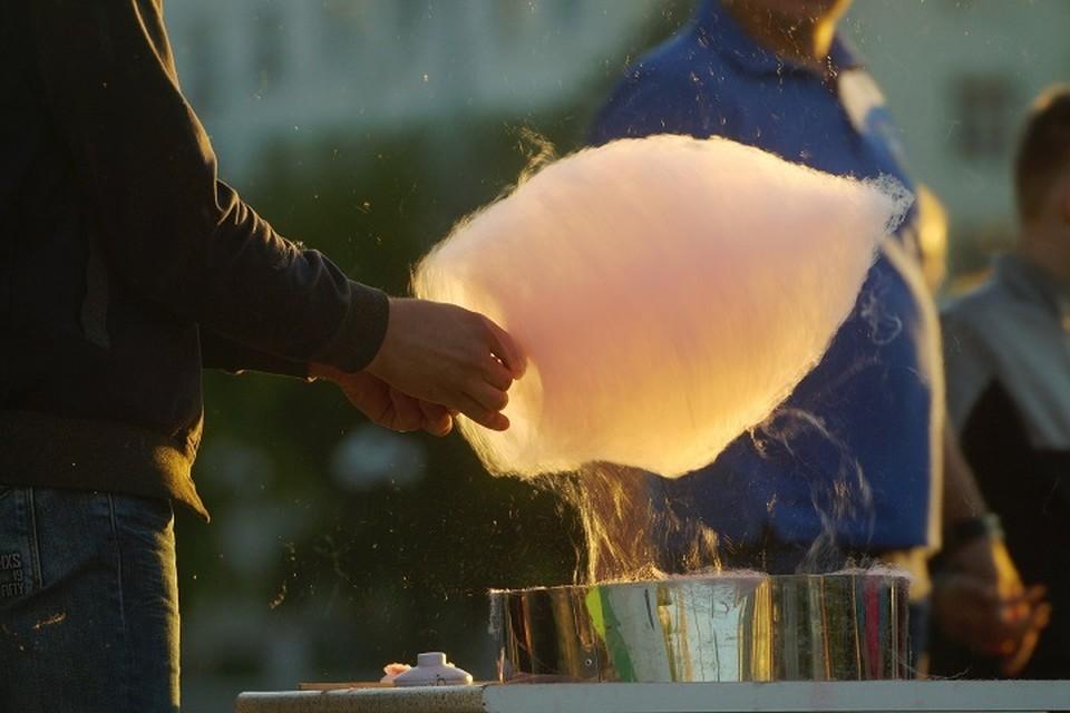 Сахар можно заменить медом и сиропом
