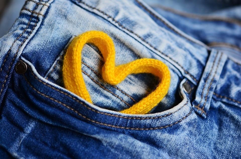 Сегодня тюменцы празднуют День рождения джинсов. Фото - pixabay.com.