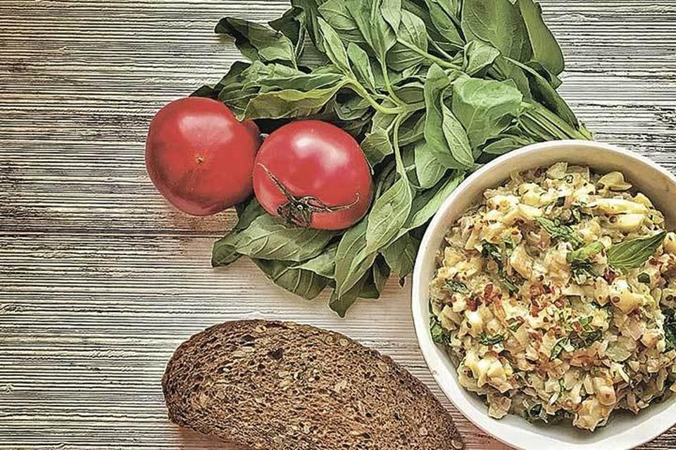 Мир знает сотни рецептов из solanum melongena (это по латыни).
