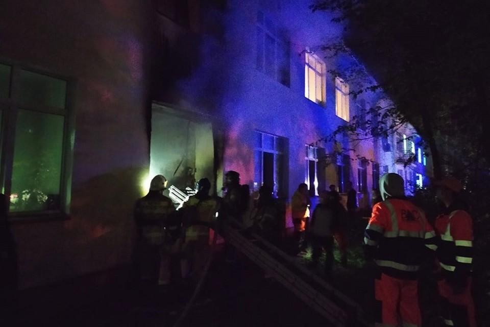 Пожар произошел на первом этаже.