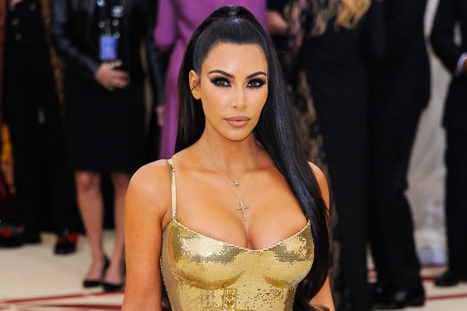 Ким обожает демонстрировать свои прекрасные формы.