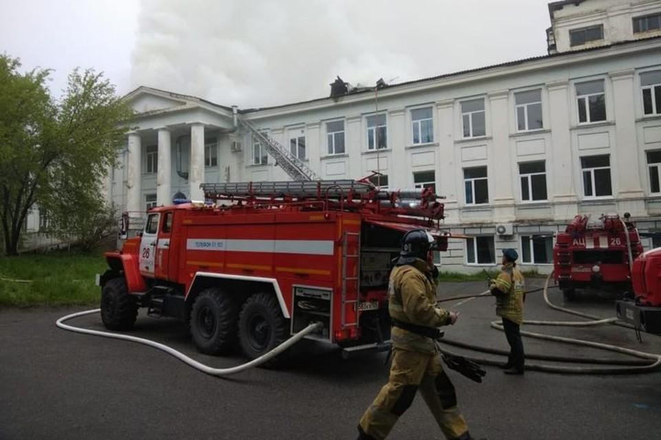 В Партизанске загорелась кровля больницы. Фото: правительство Приморского края