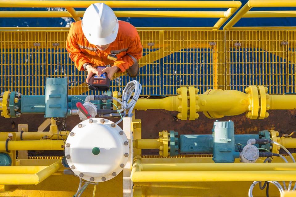 Аналитики предсказывают отрицательные цены на газ, на европейских биржах он уже торгуется дешевле, чем в России.