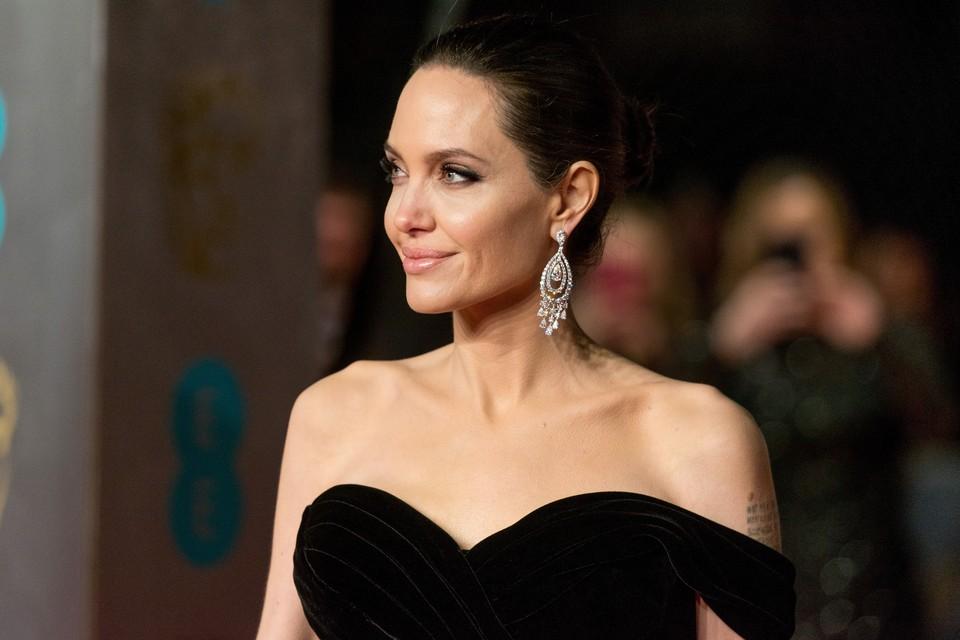 Сейчас Джоли вроде бы пришла в себя и наконец вернулась в кино