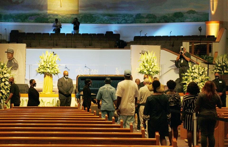 Джорджа Флойда похоронят в пригороде Хьюстона рядом с матерью