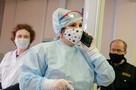 Больше 670 миллионов выделили на выплаты медикам Ленобласти, которые лечат больных коронавирусом
