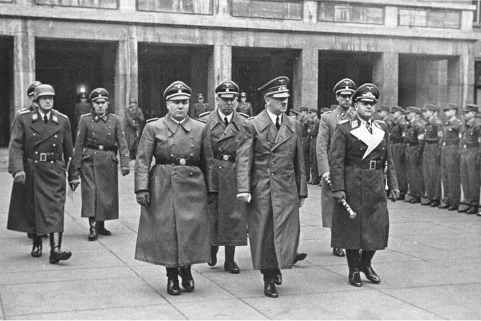 Гитлер думал об атаке на СССР еще в 1937-м. Но немецкие генералы протестовали