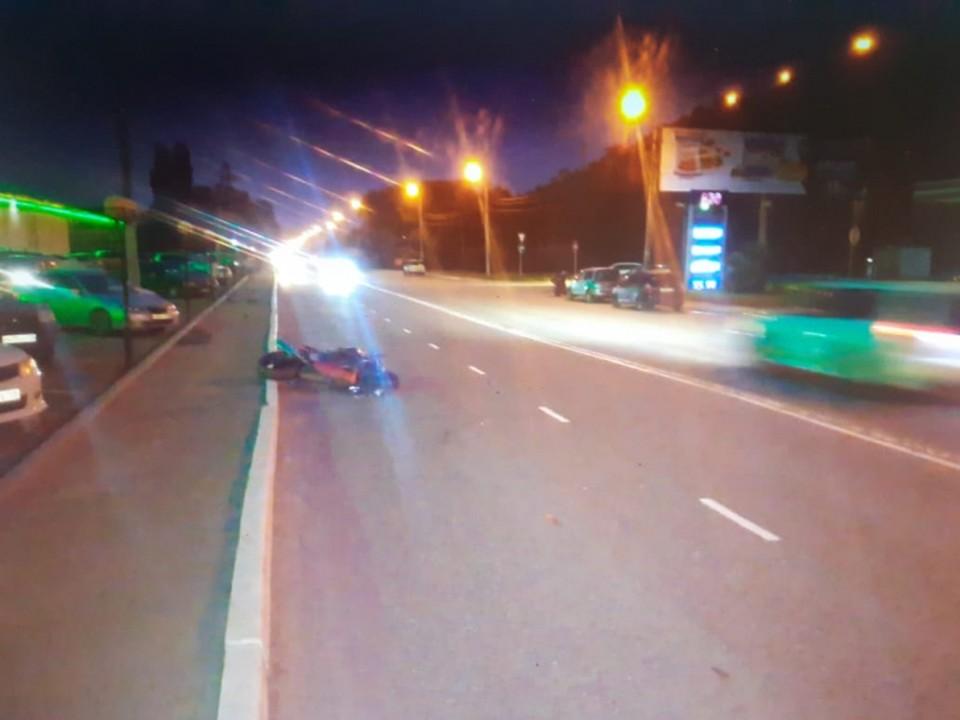 В Находке водитель Suzuki не справился с управлением мотоцикла. Фото:пресс-служба ОМВД России по городу Находке