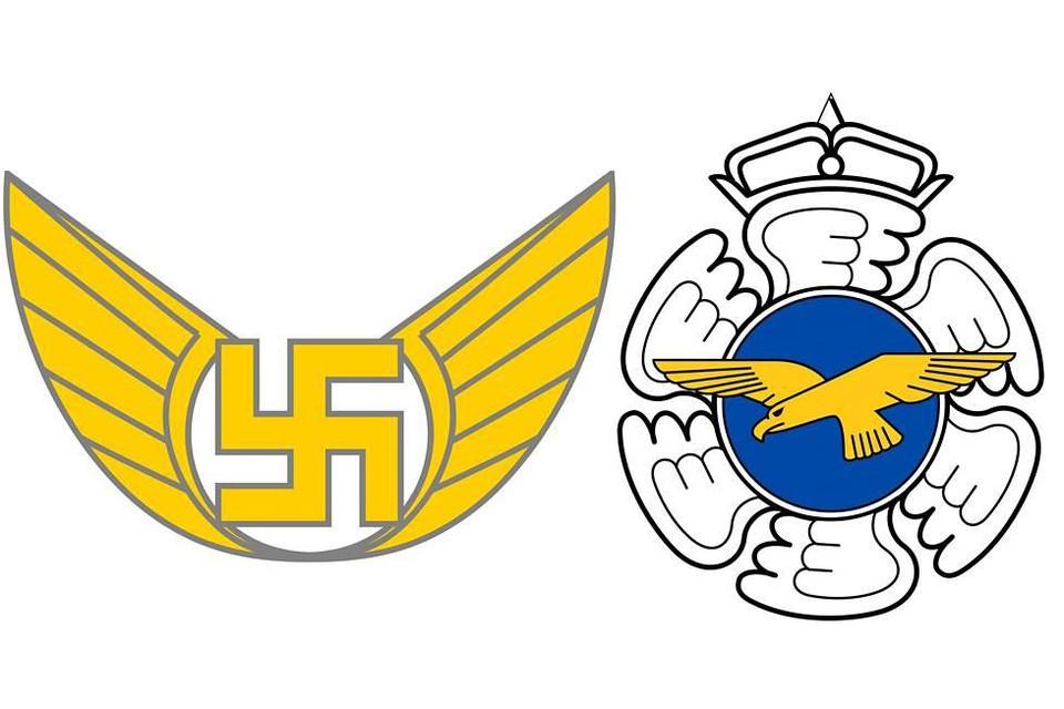 Старая нашивка штабных (слева) и эмблема ВВС (справа).