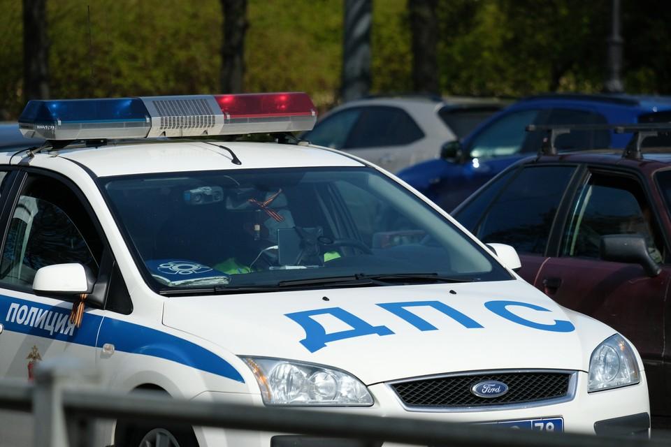 В Ленинградской области трехлетний мальчик упал с велосипеда и наткнулся глазом на штырь.