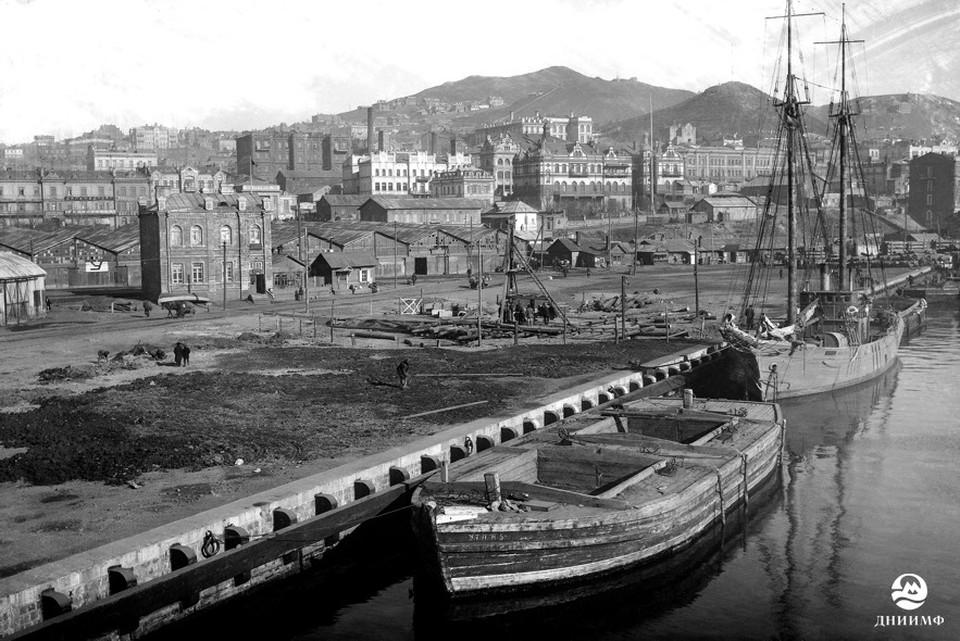 Владивосток, 1928 г. Шхуна УПИТО «Красный Якут» у причала № 30. Фото: из архива АО «ДНИИМФ»